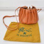 イルビゾンテ IL BISONTE ギャザー 巾着 型レザーショルダーバッグのお買取